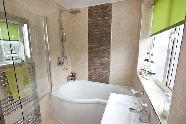 Image of 3 bedroom Semi-Detached house for sale in Bracken Close Brighouse HD6 at Bracken Close, Brighouse, West Yorkshire HD6
