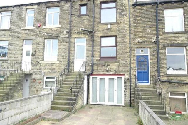 Image of 3 bedroom Terraced house for sale in Clifton Common Clifton Brighouse HD6 at Clifton Common, Clifton, Brighouse HD6