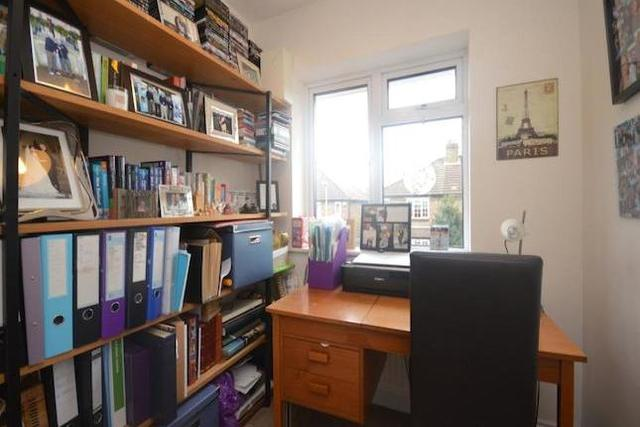 Image of 4 bedroom Property to rent in Auckland Road Kingston upon Thames KT1 at Auckland Road, Kingston Upon Thames KT1