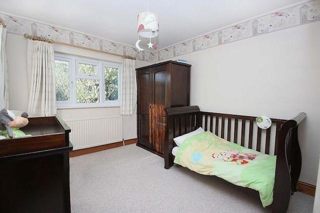 Image of 5 bedroom  for sale in Mount Pleasant Road Chigwell IG7 at Mount Pleasant Road, Chigwell IG7