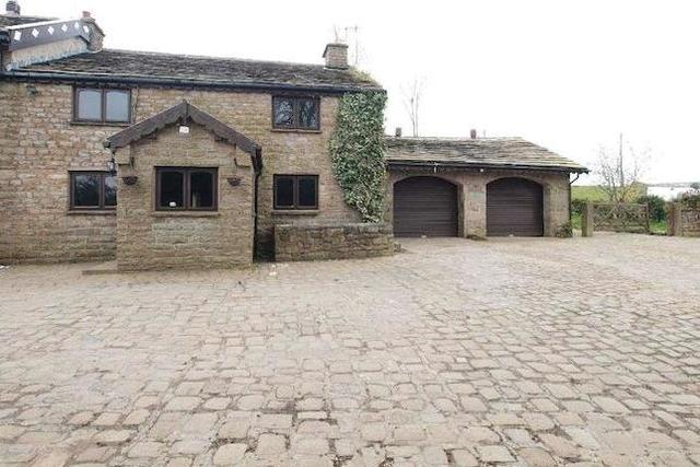 Image Of 4 Bedroom Semi Detached House For Sale In Higher Rhoden Oswaldtwistle Accrington Bb5