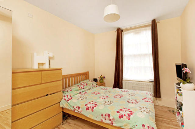 2 Bedroom Flat For Sale In Peabody Estate Camberwell Green London Se5
