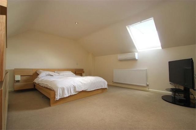 4 Bedroom Maisonette For Sale In Lyndwood Parade St Lukes: 4 bedroom maisonette
