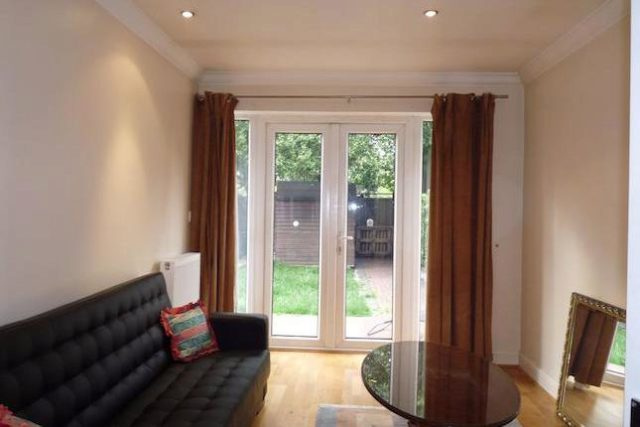 1 Bedroom Flat To Rent In Pennine Drive London NW2