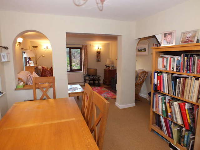 Image of 3 bedroom Detached house for sale in Main Street Clanfield Bampton OX18 at Clanfield Oxfordshire, OX18 2SH