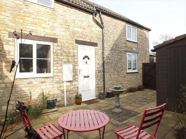 Image of 2 bedroom Property for sale in The Plain Hawkesbury Upton Badminton GL9 at Hawkesbury Upton South Glos, GL9 1AT