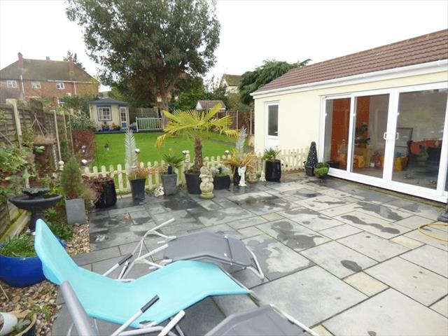 Image of 3 bedroom Semi-Detached house to rent in Teddington Gardens Gloucester GL4 at Teddington Gardens  Gloucester, GL4 6RL