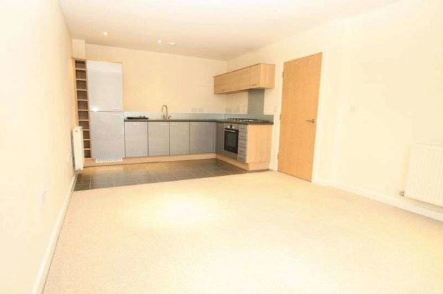 Image of 1 bedroom Flat to rent in Abbey Barn Road High Wycombe HP11 at Abbey Barn Road  High Wycombe, HP11 1NW