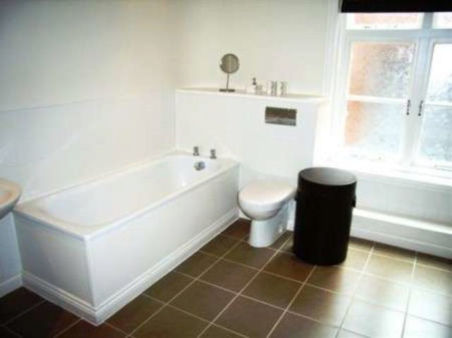 Image of 2 bedroom Town House to rent in Severn Street Birmingham B1 at 82 Severn Street Birmingham West Midlands, B1 1QG