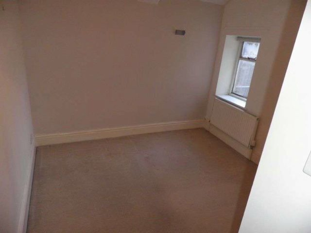Image of 2 bedroom Flat to rent in Eaton Crescent Clifton Bristol BS8 at Eaton Crescent Clifton Bristol, BS8 2EJ