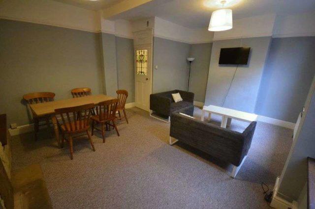 Image of 1 bedroom Property to rent in Hinton Road Fishponds Bristol BS16 at Hinton Road Fishponds Bristol, BS16 3UN