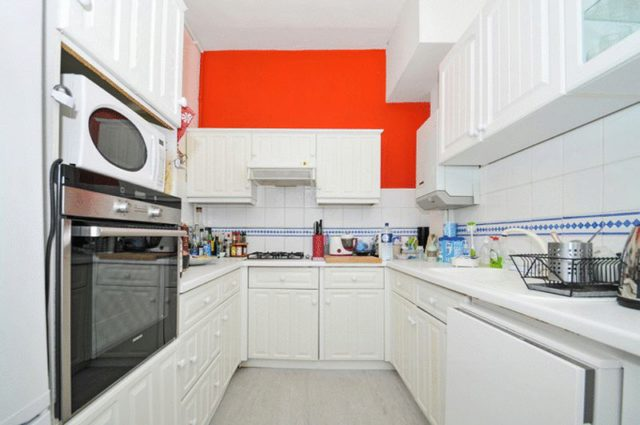Image of 2 bedroom Flat to rent in Frognal London NW3 at Frognal  London, NW3 6AG