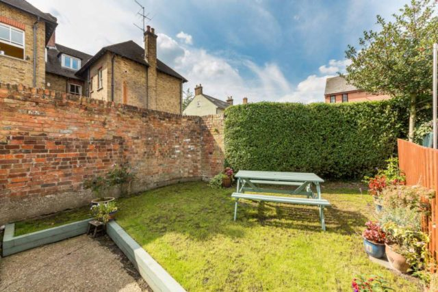 Image of 2 bedroom End of Terrace to rent in Manor Street Berkhamsted HP4 at Manor Street  Berkhamsted, HP4 2BN