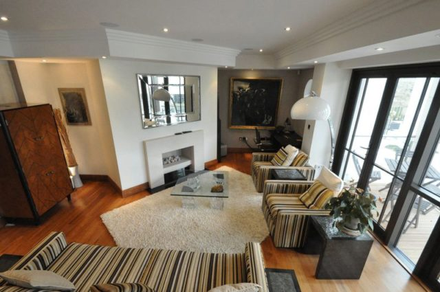 Image of 2 bedroom Flat for sale in Charters Road Sunningdale Ascot SL5 at Charters Road  Sunninghill, SL5 9FG