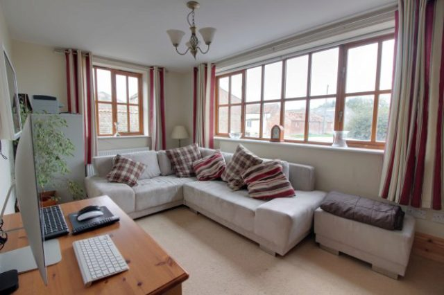 Image of 5 bedroom Detached house for sale in Dunnington Dunnington Driffield YO25 at East Riding Of Yorkshire North Humberside East Riding Of Yorkshire, YO25 8EG