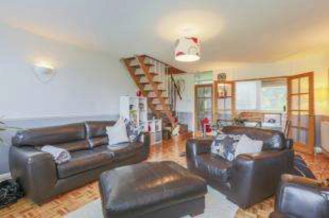 Image of 3 bedroom Maisonette for sale in Tarnwood Park London SE9 at London Eltham New Eltham, SE9 5NX