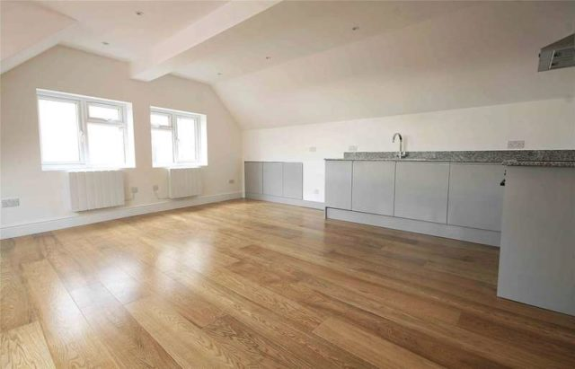 Image of 1 bedroom Apartment for sale in Old Woking Road West Byfleet KT14 at West Byfleet Surrey West Byfleet, KT14 6LW