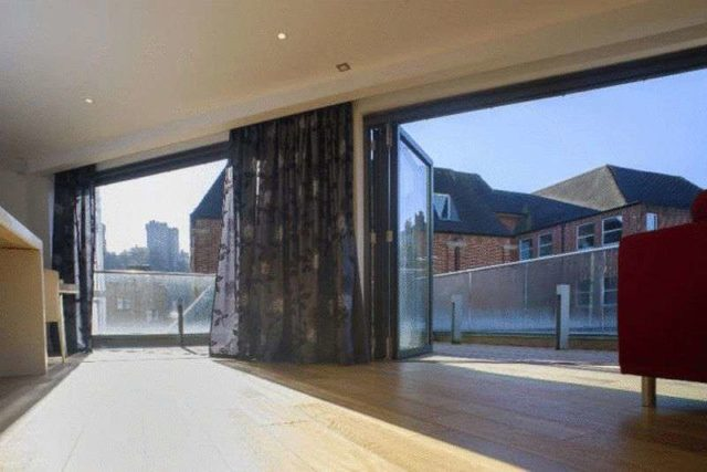 Image of 3 bedroom Property for sale in Farm Yard Windsor SL4 at Farm Yard  Windsor, SL4 1QL