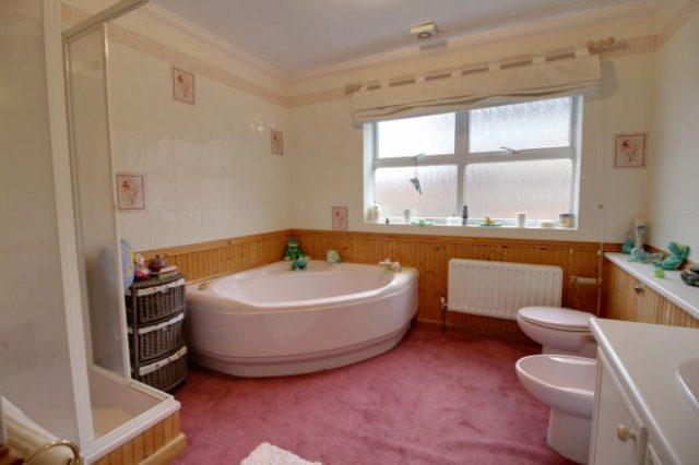 Image of 4 bedroom Detached house for sale in Castlegate Grantham NG31 at Grantham Lincolnshire Grantham, NG31 6SN