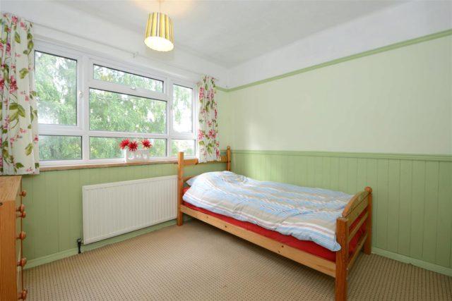 Image of 3 bedroom Flat for sale in Bridge Street Walton-on-Thames KT12 at Walton-On-Thames Surrey Walton-On-Thames, KT12 1AN