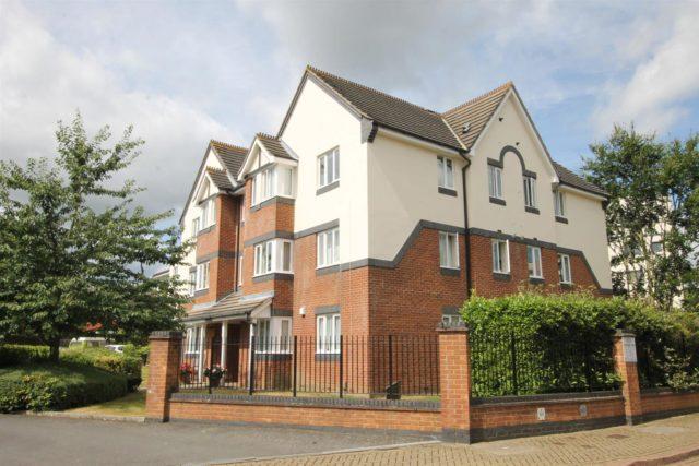 Image of 1 bedroom Flat for sale in Roydon Court Mayfield Road Hersham Walton-on-Thames KT12 at Walton-On-Thames Surrey Walton-On-Thames, KT12 5HZ