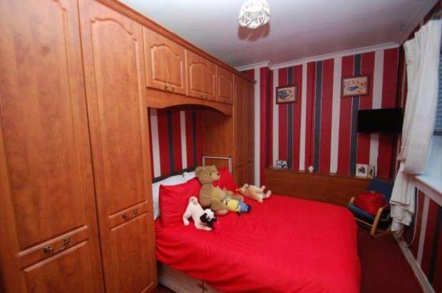 Image of 3 bedroom End of Terrace for sale in Lyoncross Road Glasgow G53 at Lyoncross Road  Pollok, G53 5UT