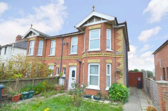 Image of 3 bedroom Ground Flat for sale in Eddington Road Seaview PO34 at Eddington Road Seaview Isle Of Wight, PO34 5EE