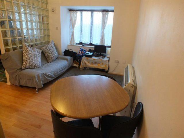 Image of 1 bedroom Flat for sale in Tasker Close Harlington Hayes UB3 at Harlington  Harlington, UB3 5LD