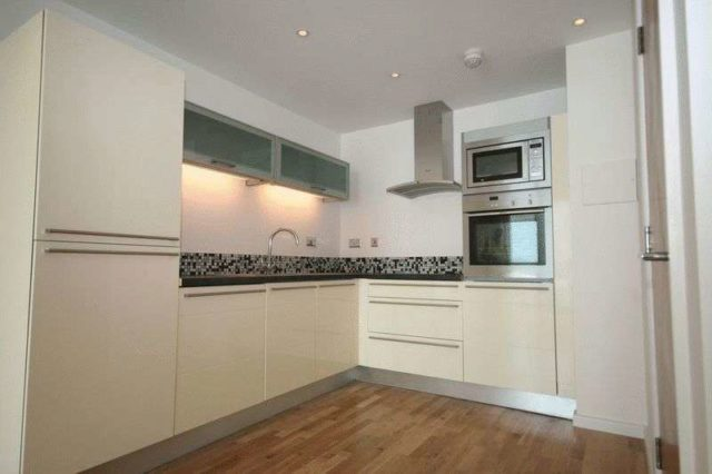 Image of 4 bedroom Flat to rent in Pitfield Street London N1 at Pitfield Street  London, N1 6JP