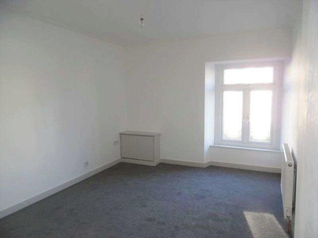 Image of 1 bedroom Flat to rent in Park Street Bridgend CF31 at Park Street  Bridgend, CF31 4AX