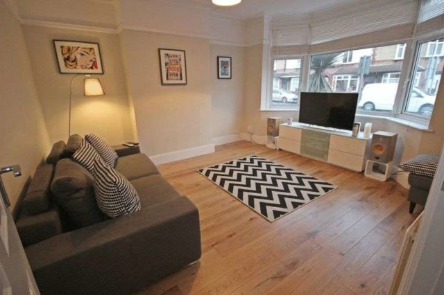 Image of 4 bedroom Semi-Detached house for sale in Hitchin Road Luton LU2 at Hitchin Road  Luton, LU2 7SP