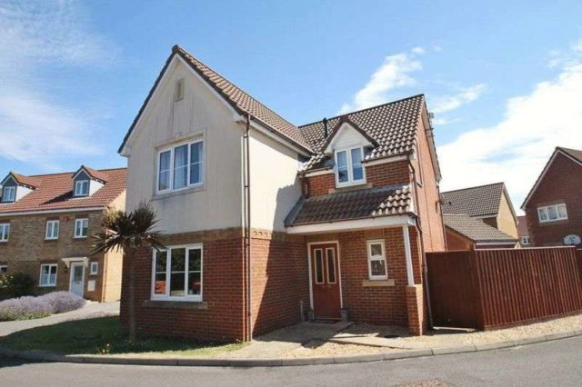 Image of 4 bedroom Detached house for sale in Admiral Way Cowes PO31 at Admiral Way Cowes Isle of Wight, PO31 7FL