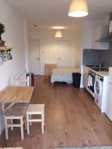 Image of End of Terrace to rent in Brookdale London N11 at Brookdale  London, N11 1BP