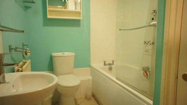 Image of 2 bedroom Flat for sale in George Street Kingsclere Newbury RG20 at George Street Kingsclere Newbury, RG20 5NH