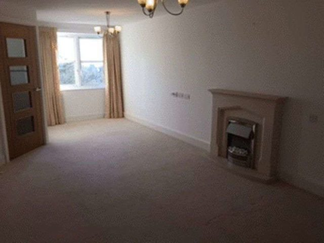 Image of 1 bedroom Flat for sale in Mutton Hall Hill Heathfield TN21 at Mutton Hall Hill  Heathfield, TN21 8NB