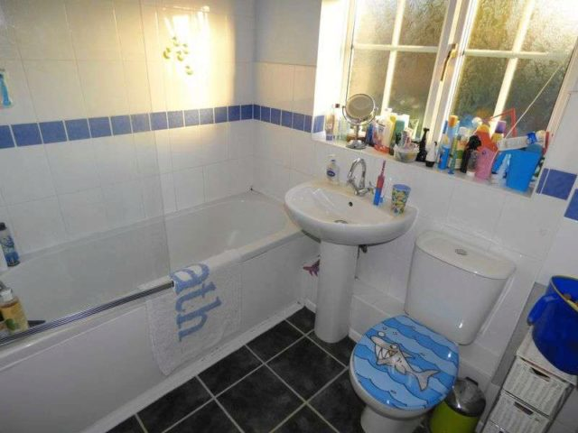 Image of 4 bedroom Detached house for sale in Stoke Heights Fair Oak Eastleigh SO50 at Stoke Heights Fair Oak Eastleigh, SO50 8AH