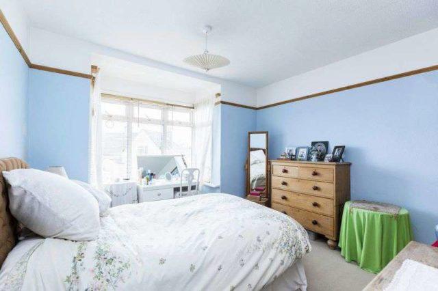 Image of 4 bedroom Terraced house for sale in Victoria Road Emsworth PO10 at Victoria Road  Emsworth, PO10 7NJ
