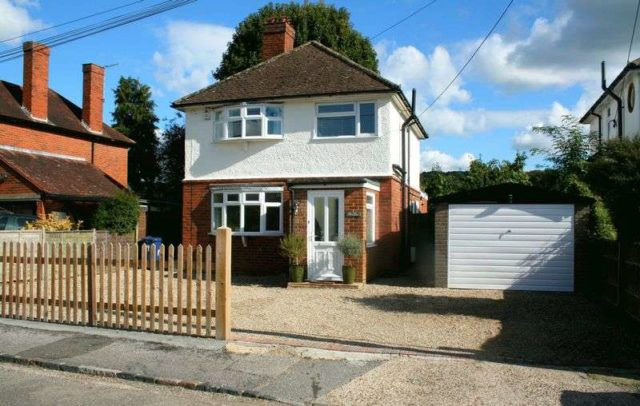 Image of 3 bedroom Detached house to rent in Mayfield Road Wooburn Green High Wycombe HP10 at Mayfield Road  Wooburn Green, HP10 0HG