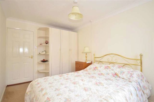 Image of 1 bedroom Apartment for sale in Sandown Road Sandown PO36 at Sandown Isle of Wight Sandown, PO36 9JX