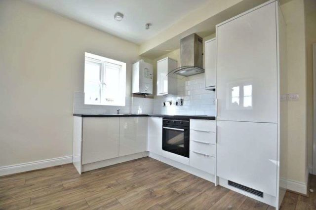 Image of 2 bedroom Flat for sale in Colborne Road Didcot OX11 at Bernard Barlow Close Colborne Road Didcot, OX11 0AB