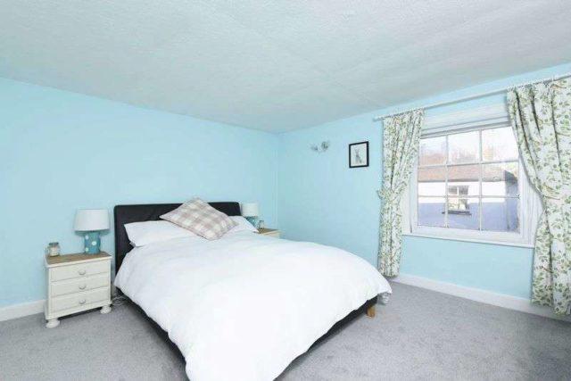 Image of 2 bedroom Detached house for sale in George Street Kingsclere Newbury RG20 at George Street Kingsclere Newbury, RG20 5NQ
