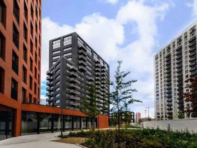 Image of 2 bedroom Flat for sale in Orchard Place London E14 at Orchard Place  London, E14 0JW