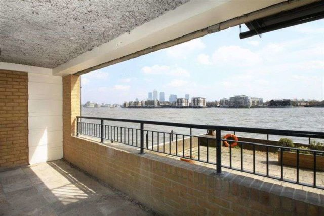 Image of 2 bedroom Property to rent in Wapping Wall London E1W at Wapping Wall  London, E1W 3SJ