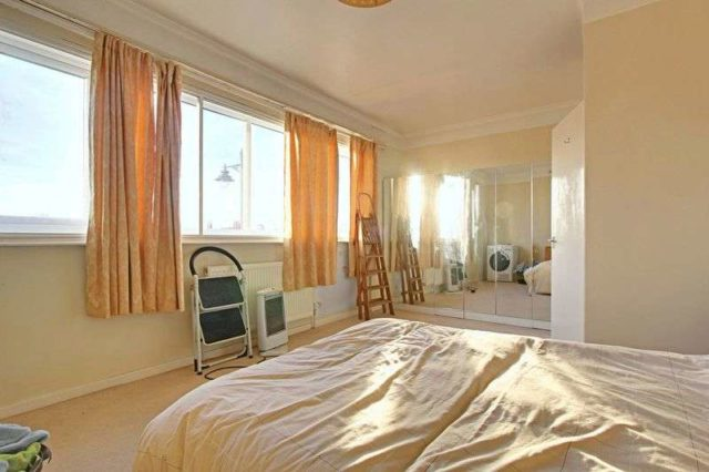 Image of 2 bedroom Flat for sale in King Street Cottingham HU16 at King Street  Cottingham, HU16 5QE