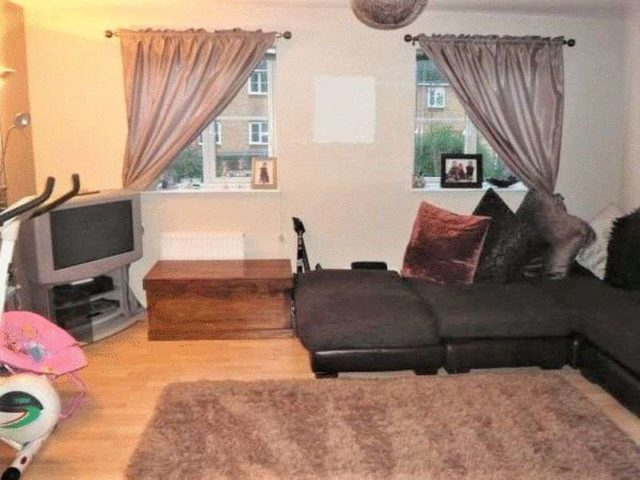 Image of 4 bedroom Terraced house to rent in Princes Gate High Wycombe HP13 at Princes Gate  High Wycombe, HP13 7AD