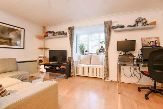 Image of 2 bedroom Ground Flat for sale in Deck Close London SE16 at London Rotherhithe, SE16 6BU