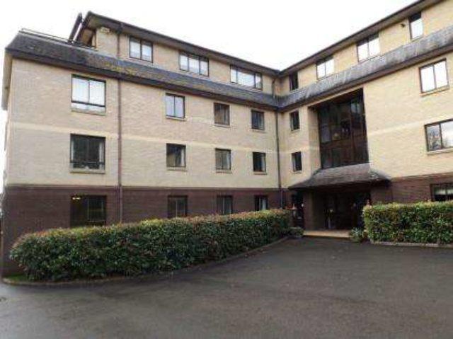Image of 3 bedroom Flat for sale in Julian Road Stoke Bishop Bristol BS9 at 37 Julian Road Bristol Sneyd Park, BS9 1NP