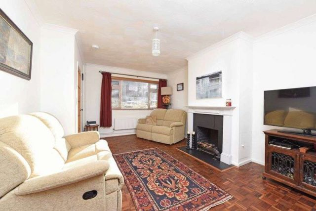 Image of 3 bedroom Terraced house for sale in Fawconer Road Kingsclere Newbury RG20 at Fawconer Road Kingsclere Newbury, RG20 5RN