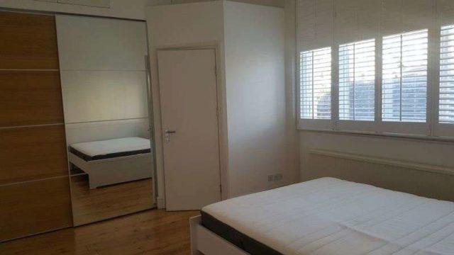 Image of 3 bedroom Flat to rent in Warwick Avenue London W9 at Warwick Avenue  Little Venice, W9 2PU