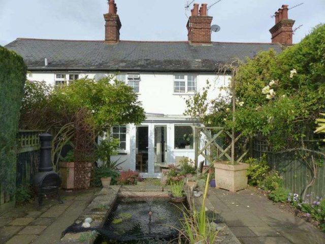 Image of 2 bedroom Terraced house for sale in Popes Lane Cookham Maidenhead SL6 at Popes Lane  Cookham Dean, SL6 9AT